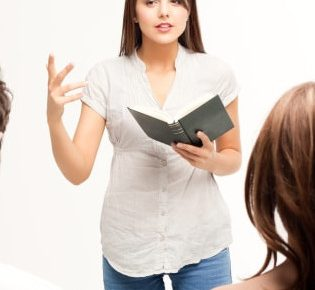 Kobiety nauczające mężczyzn – jak daleko jest już za daleko?