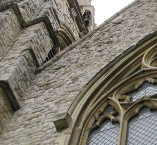 Cztery pytania, które należy zadać przed wstąpieniem do kościoła